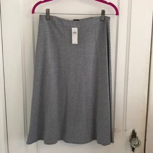 NWT ANN TAYLOR A-Line Patterned Navy/White Skirt